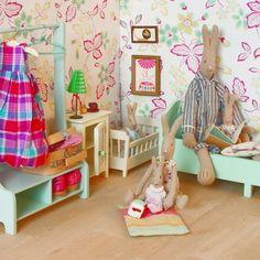 Lit Bébé en Bois avec Parure www.roseandmilk.com