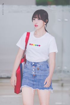 outfit Airport Fashion Kpop, Korean Shirts, Twice What Is Love, Ulzzang Fashion, Korean Fashion, Im Nayeon, South Korean Girls, Korean Girl Groups, Kpop Outfits
