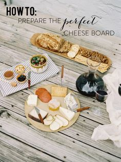 Preparing a Gourmet Cheese Board, some say I will have a wine and cheese party! Tapas, Holiday Appetizers, Appetizer Recipes, Wedding Appetizers, Charcuterie, Gourmet Cheese, Fancy Cheese, Kinds Of Cheese, Cheese Party
