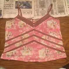 "Eloise cropped sleep top VGUC. Length approx 18"" bust approx 17"". Price is firm. Anthropologie Tops"