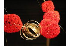 "laura stefani arte acciaio architettura - Cerca con Google / Laura Stefani & Eva Franceschini, collana ""Piroette"", plastica PET, argento, 2013."