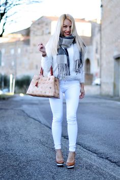 Eleonora Petrella for Loristella #Loristella #EleonoraPetrella #glamourbag #glamourcollection #womanhandbag #heart #instacool #instapic