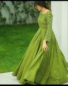 Party Wear Indian Dresses, Pakistani Fashion Party Wear, Pakistani Dresses Casual, Designer Party Wear Dresses, Indian Gowns Dresses, Dress Indian Style, Indian Fashion Dresses, Pakistani Dress Design, Indian Designer Outfits