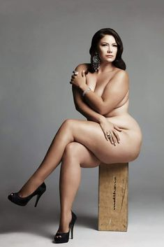 Women that like to be sitting naked were visited