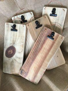 Bar Menu holders or Check holders Scrap Wood Projects, Woodworking Projects, Diy Projects, Woodworking Wood, Scrap Wood Crafts, Scrap Wood Art, Wood Pallet Crafts, Deco Restaurant, Mobile Restaurant