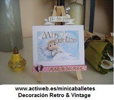 Mini-caballetes personalizados para bautizos.