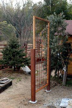 お庭のアクセントになるガーデントレリス。洋風のお庭でも和風のお庭でも、トレリスを使ってお花を楽しみませんか? 木材やワイヤーメッシュを使ったトレリスの作り方や、市販のトレリスなどをのアレンジ方法、意外なものをリサイクルするアイデア集など、素敵なDIYトレリスの数々をご紹介します。