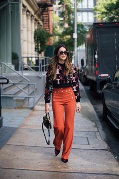 Bold Pants for Winter | Thrifts and Threads. Black embroidered cropped sweater+brick red high-rise straight pants+violet velvet boots+black shoulder bag with golden details+sunglasses. Winter Smart Casual Outfit 2017