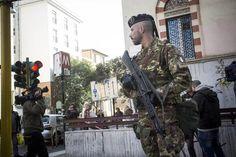 Militares verificaram ameaça de bomba que fechou a linha A do metrô de Roma (foto: ANSA)