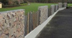 Gabion Fences and Stone Walls Gabion Stone, Gabion Fence, Timber Fencing, Gabion Wall, Landscaping Design, Fence Design, Yard Landscaping, Garden Design, Garden Fencing