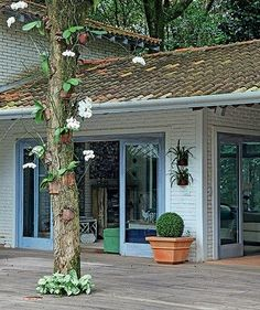 Village House Design, Village Houses, Casa Mimosa, Tropical Beach Houses, Jungle House, Outdoor Dining, Outdoor Decor, Cottage Design, Decoration