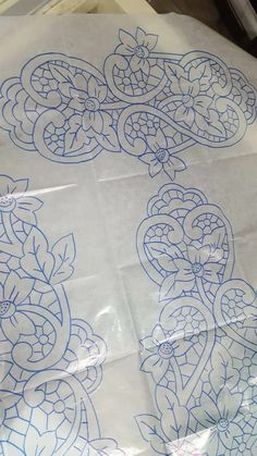 Cutwork Embroidery, Embroidery Stitches, Wafer Paper Flowers, Point Lace, Cut Work, Tatting Patterns, Sewing Hacks, Couture, Drawings