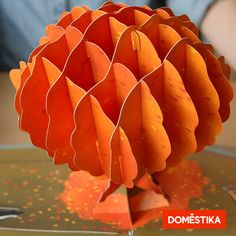 Learn basic methods for creating your own pop-up book with height and dimension in this Domestika online course. Arte Pop Up, Pop Up Art, Book Crafts, Fun Crafts, Crafts For Kids, Easter Crafts, Paper Crafts Origami, Origami Easy, Paper Engineering