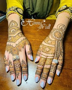 Mehndi is used for decorating hands of women during their marriage, Teej, Karva Chauth. Here are latest mehndi designs that are trending in the world. Khafif Mehndi Design, Stylish Mehndi Designs, Dulhan Mehndi Designs, Mehndi Design Pictures, Mehndi Art Designs, Latest Mehndi Designs, Hena Designs, Mehndi Patterns, Mehendi