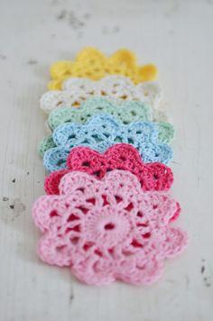 DIY: crochet flower.