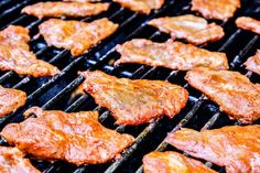 showing how to make Tacos Al Pastor by grilling thinly sliced marinated pork on the barbecue Marinated Pork, Grilled Pork, Gorditas Recipe Mexican, Meat Recipes, Mexican Food Recipes, Tacos Al Pastor Recipe, Mexican Meat, How To Make Taco, Pork Tacos
