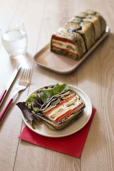 Terrine of grilled vegetables with goat Grilled Vegetables, Veggies, Veggie Recipes, Healthy Recipes, Healthy Food Alternatives, Veggie Delight, Fast Healthy Meals, Weird Food, Food Shows