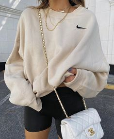 Teen Fashion Outfits, Retro Outfits, Look Fashion, Fall Outfits, Girly Outfits, Indie Outfits, Sporty Outfits, Sporty Style, Fashion Women