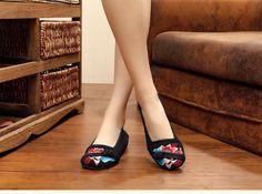 $14.78 (Buy here: https://alitems.com/g/1e8d114494ebda23ff8b16525dc3e8/?i=5&ulp=https%3A%2F%2Fwww.aliexpress.com%2Fitem%2FNew-Chinese-Women-Flats-sexy-fashion-flower-embroidery-canvas-soft-single-dance-walking-casual-shoes-for%2F32722837126.html ) New Chinese Women Flats sexy fashion flower embroidery canvas soft single dance walking casual shoes for women for just $14.78