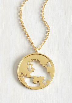 Hot to Globetrot Necklace From the Plus Size Fashion Community at www.VintageandCurvy.com