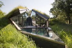 Edgeland Home Constructed Into A Hill By Bercy Chen Studio | Interior Design 7/24