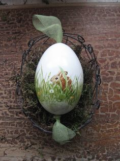 The goose egg has a size of approx. Each brown hare is individually . - The goose egg has a size of approx. Each brown hare is painted individually with watercol - Easter Egg Crafts, Easter Art, Easter Eggs, Ostern Wallpaper, Easter Egg Designs, Diy Ostern, Egg Art, Egg Decorating, Happy Easter