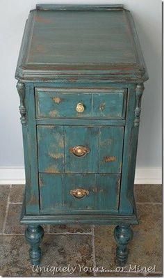 Vintage vanity nightstand painted in Aubusson Annie Sloan Chalk Paint #shabbychicbathroomsvanity