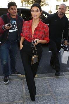 Los 50 mejores looks de Kim Kardashian de 2014 - estilo casual - estilo urbano - estilo clasico - estilo natural - estilo boho - moda estilo - estilo femenino Look Kim Kardashian, Estilo Kardashian, Robert Kardashian, Kardashian Fashion, Kim Kardashian Blazer, Casual Chic, 00s Mode, Mode Rihanna, Celebrity Style Casual