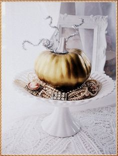 Pretty pumpkin decorating for fall and Halloween
