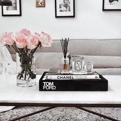 20 Simple Coffee Table Styling Ideas With Plants
