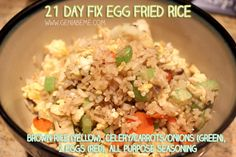21 Day Fix Recipe Egg Fried Rice green, 1 yellow, 1 red) Clean Eating Recipes, Healthy Eating, Healthy Recipes, Healthy Meals, Diet Recipes, Diet Meals, Eating Clean, Healthy Options, 21 Day Fix Recipies