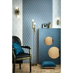 Art Deco wallpaper on the walls, by touch, total look, mixing styles. Art deco has its place in your interior. Art Deco Living Room, Art Deco Bedroom, Living Room Interior, Bedroom Ideas, Art Deco Wallpaper, Painting Wallpaper, Room Wallpaper, Wallpaper Wallpapers, Hall Furniture