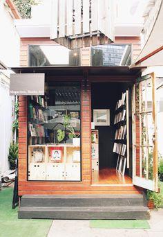 bookshop in Fortitude Valley, Brisbane Shop Interior Design, Store Design, Tiny Shop, Cafe Shop, Shops, Shop Fronts, Retail Space, Commercial Interiors, Home Deco