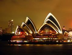 Сиднейский оперный театр  Сидней, Австралия
