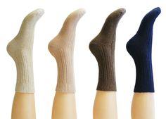 "<h1> <span style=""font-family:verdana,geneva,sans-serif;""><span style=""font-size:14px;"">Levante Cashmere Ribbed Ankle Socks</span></span></h1>"