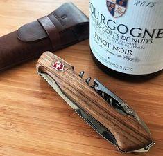 Victorinox Swiss Army Knife, Dame, Luxury, Knives, Guy Stuff, Walnut Wood, Multifunctional, Cutlery, Edc