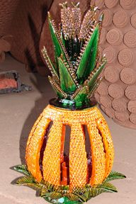 Pedro Hernandez Carlos - famous Mexican pineapple (piña) pottery. Mexican Crafts, Mexican Art, Famous Mexican, Pineapple Art, Mexican Ceramics, Pottery Art, Ceramic Art, Art Forms, Cactus Plants