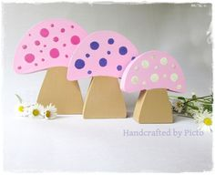 Free Standing Toadstool Set of 3 in 18mm mdf so nice and chunky. heights are 12cm, 10cm and 7.5cmDiscontinued Line, I used to take these to my Craft Fairs hence the new sale price.
