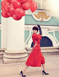American fashion model Lindsey Wixson appears in 'Russian Style' (Россия Стиль) for Vogue Russia September 2014 as photographed by Alexi Lubomirski and styled by Olga Dunina. Fashion Shoot, New Fashion, Editorial Fashion, Fashion Models, American Fashion, Fashion Pics, Skirt Fashion, Lindsey Wixson, Raf Simons