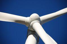 Przyszłość energii odnawialnej -   Ceny ropy nadal są na niskim poziomie. Jaki będzie to miało wpływ na rozwój odnawialnej energii w przyszłości? Czy są w tym jakiekolwiek pozytywne strony? Samo to, że ceny ropy są niskie nie będzie raczej miało istotnego wpływu na rozwój odnawialnych źródeł energii. Międzynarodowe porozumienia w... http://ceo.com.pl/przyszlosc-energii-odnawialnej-73261