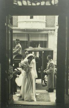 Find out more on Europeana Wedding Ceremony, Artwork, Mom, Work Of Art, Auguste Rodin Artwork, Artworks, Illustrators