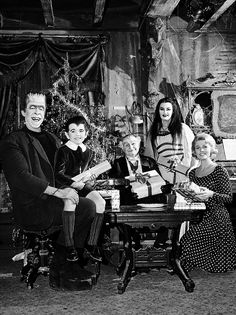 The Munsters Christmas, 1960's | this just makes me so happy!