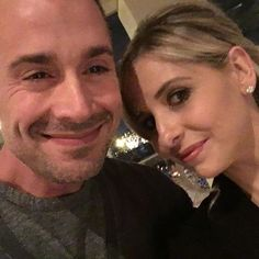 Pin for Later: Sarah Michelle Gellar and Freddie Prinze Jr.'s Sweetest Family Snaps  The couple posed for a cute selfie to kick off 2016.