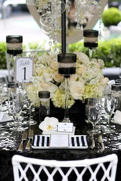 classic black and white wedding decor inspiration