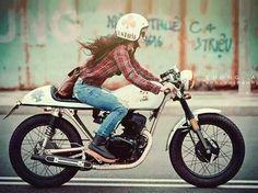 """Résultat de recherche d'images pour """"girls and moto"""""""