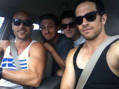 Ben Barrington, Dean O'Gorman, Emmett Skilton, Jared Turner, are... a car full of yum :P x
