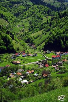We are pleased to announce that anytime is the best time to visit Transylvania. Luckily, Romania has a climate that allows you to travel in all seasons. Places To Travel, Places To See, Travel Destinations, Visit Romania, Romania Travel, Bucharest Romania, Beautiful Places To Visit, Beautiful Castles, Travel Usa