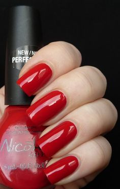 Nicole By OPI Justin Bieber One Less Lonely Girl Collection 2011 REDY TO RUNAWAY LOVE?