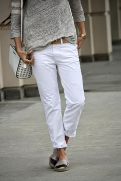 Keeping it casual. | Summer Street Style | via robynvilate.com