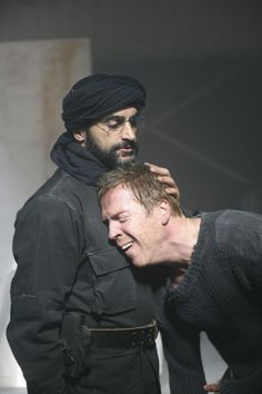 Homeland - Season 1 Episode Still. Brody and Abu Nazir - a touching moment, great tv show. Spy Shows, Great Tv Shows, Best Series, Tv Series, Carrie Mathison, Homeland Season, Stormy Waters, Damian Lewis, Morena Baccarin